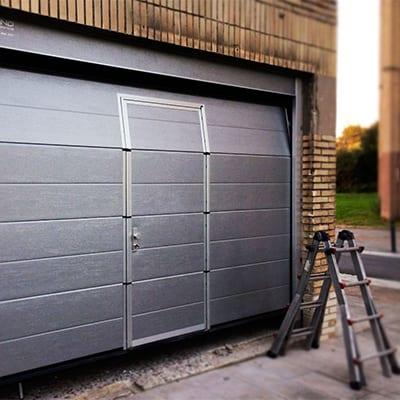 Puertas De Garaje Instalación Y Reparación Innova Instalaciones