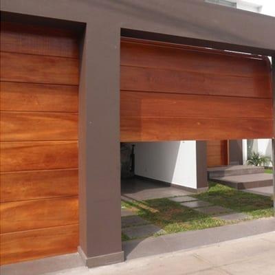 Instalación, mantenimiento y reparación de puertas seccionales